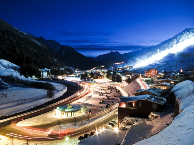 St-Anton at nightIMG_0036_0239