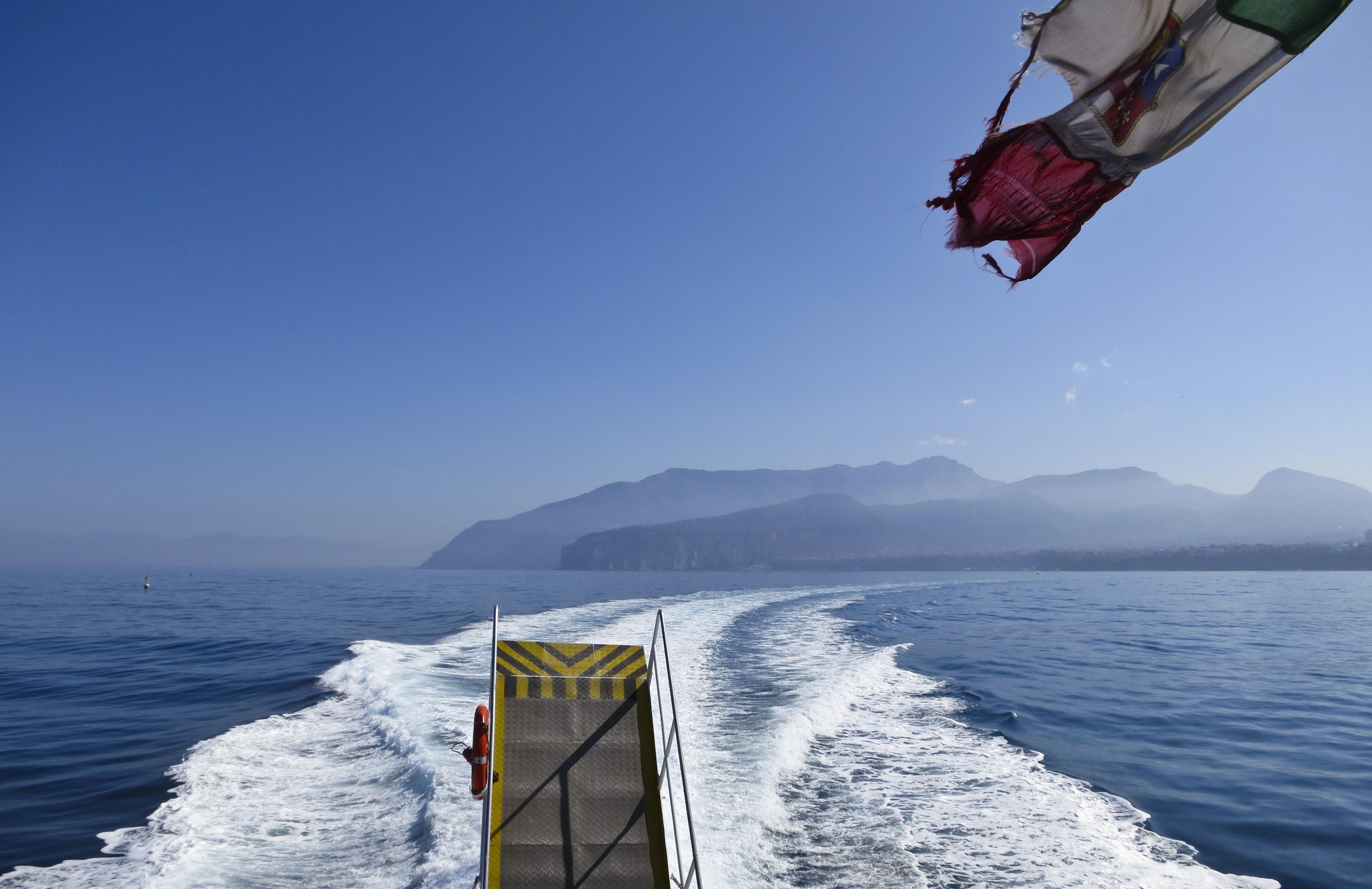 Capri by båt
